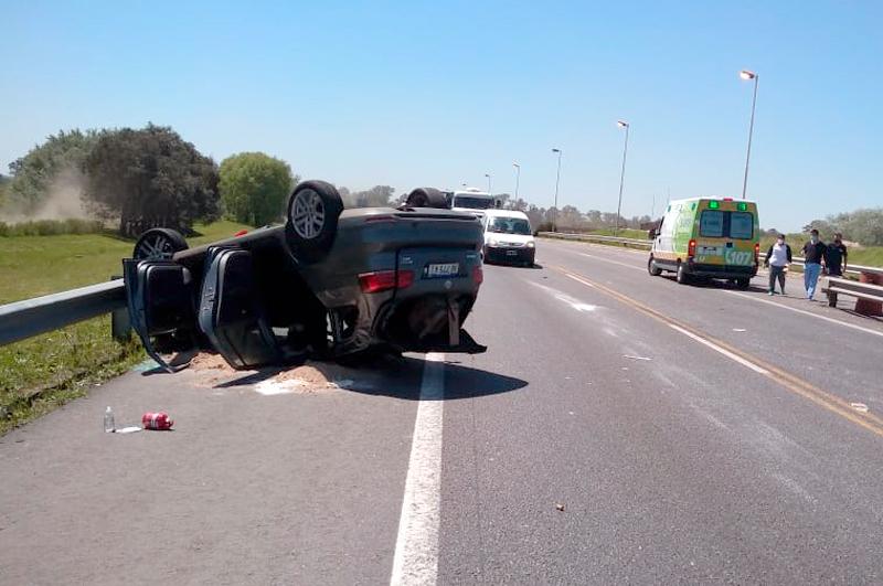 accidente-autopista-vuelco