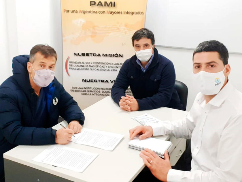 Convenio entre autoridades de PAMI Cañuelas y del Hospital Marzetti.