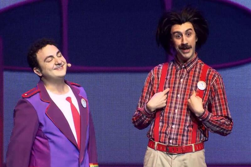 Natalio y Topa de Juniors Express en el teatro