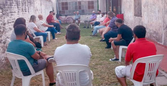 Leo Iturmendi reunido en el comité local