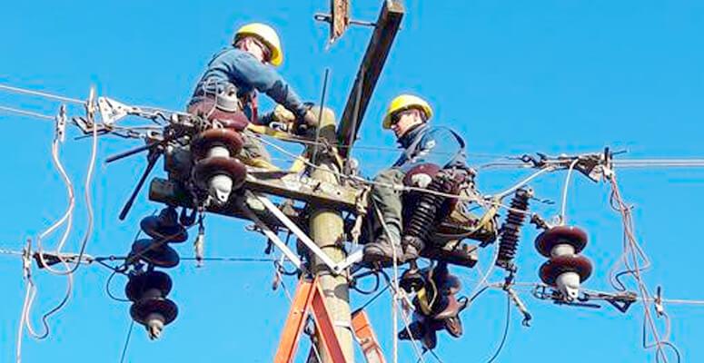 Reparaciones eléctricas en altura.