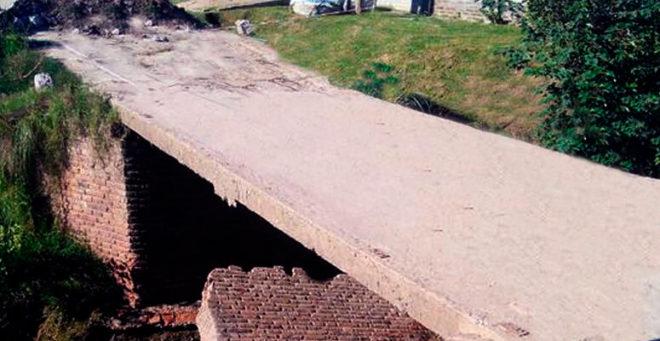 Puente a reconstruir en la localidad de Máximo Paz.