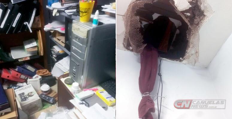 destrozos en la farmacia tras el robo.