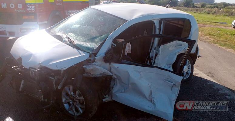 VW UP accidentado sobre Ruta 205.