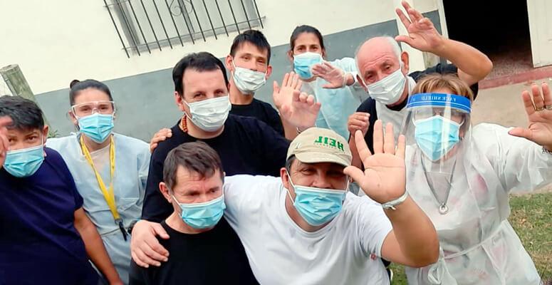 Salida de los pacientes del Dardo Rocha