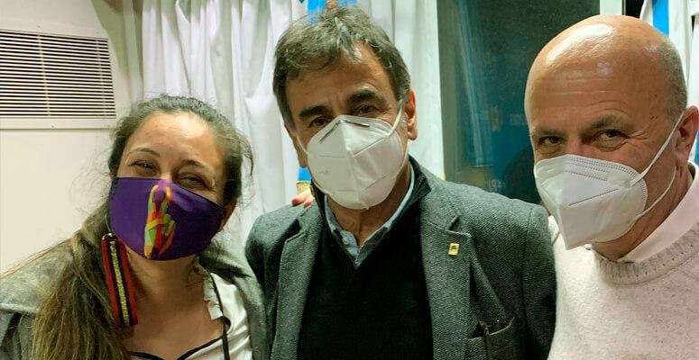 Ayelén Rasquetti junto a Rubén Eslaiman y Nicolás Russo, quienes serán también pre candidatos