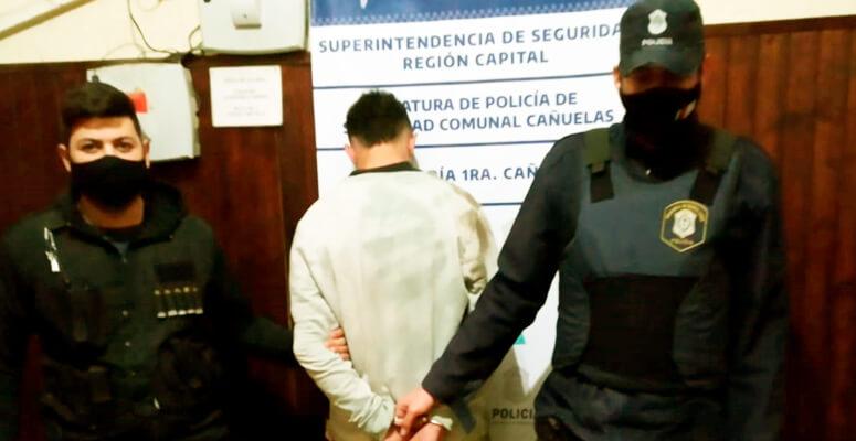 Detenido por conducir borracho y golpear a una policía.