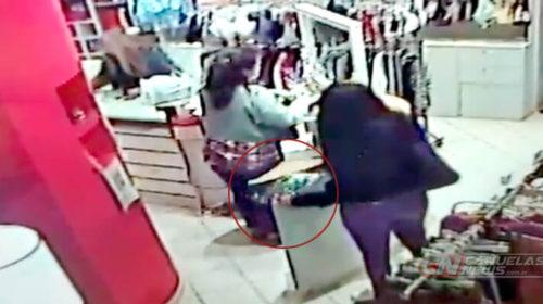 Video: así actuaron las mecheras en el local de Luna lencería