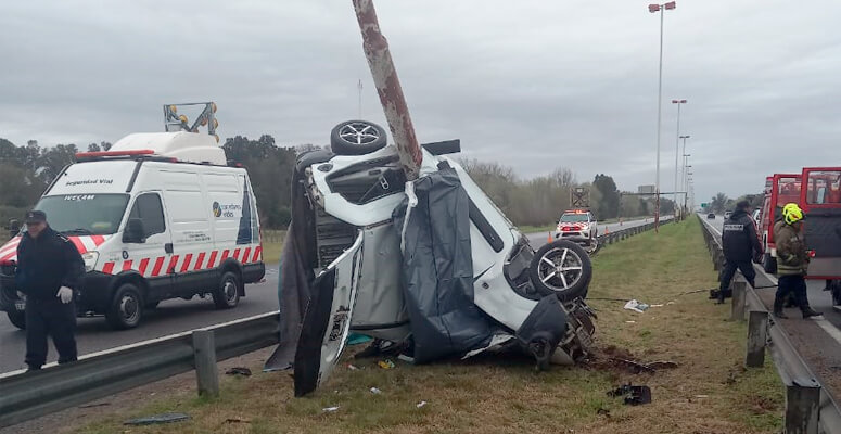 El estado del vehículo tras el impacto.