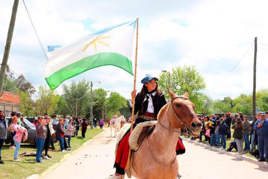 Desfile de centros tradicionalistas.